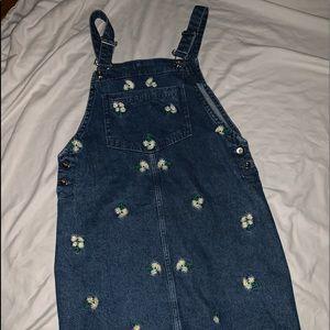 A flower overall dress